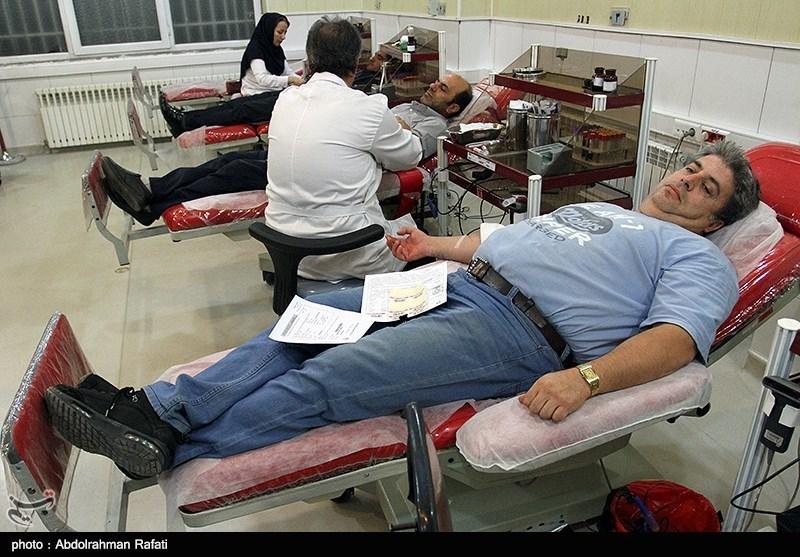 اهدای خون در شب بیست و یکم رمضان - همدان
