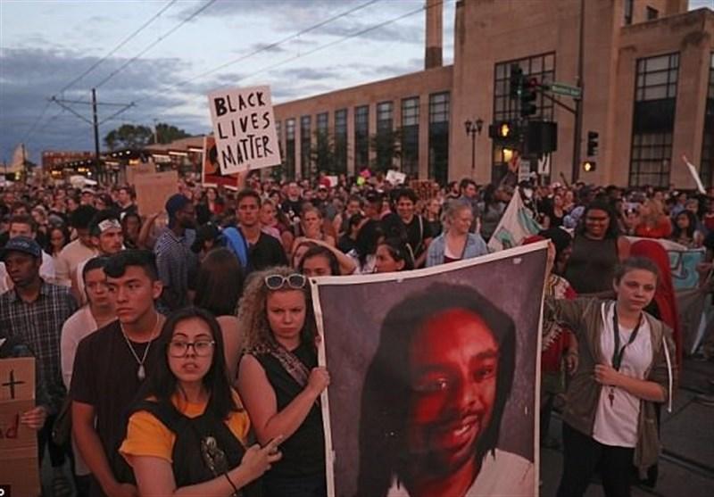 احتجاجات فی مینیسوتا بسبب تبرئة شرطی قتل مواطنا+صور