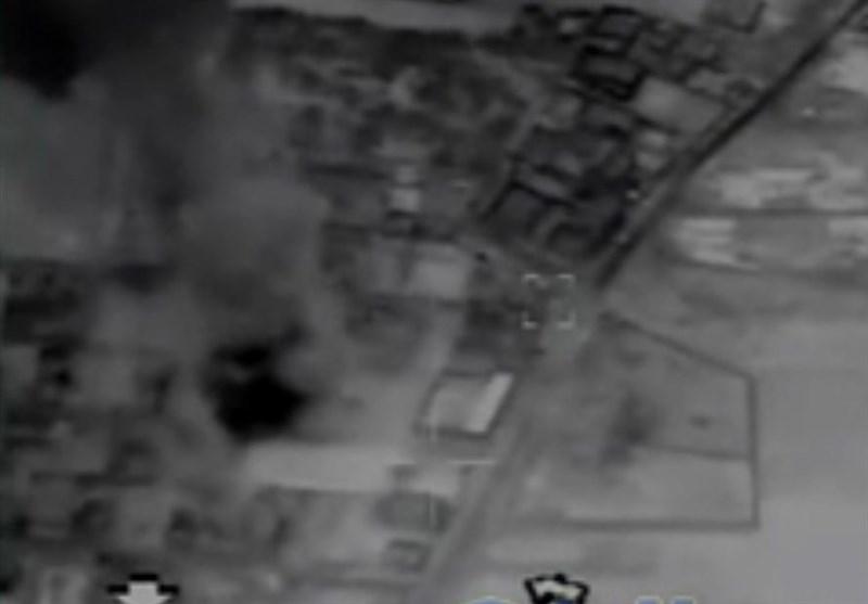 بالفیدیو .. لحظة اصابة الصواریخ الایرانیة لمقار داعش فی دیر الزور