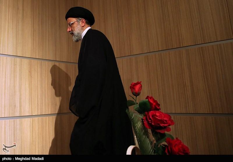 آیتالله رئیسی برای تجدید میثاق به حرم امام خمینی رفت