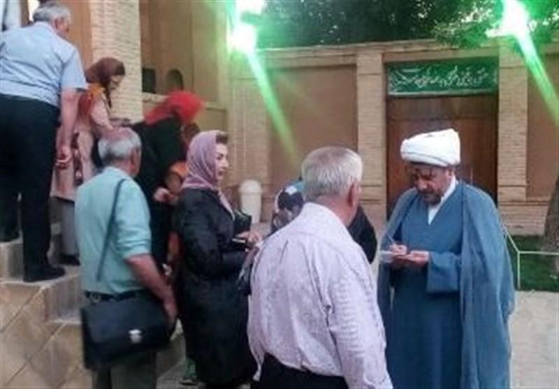 بازدید گردشگران اقلیتهای دینی تهران از بیت تاریخی امام (ره) در خمین