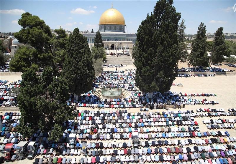 150 هزار فلسطینی در آخرین نماز جمعه ماه رمضان مسجد الاقصی شرکت کردند+تصاویر