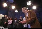 چرا نهادها در جمهوری اسلامی به فساد کشیده میشوند/ تلویزیون در مورد تاکید رهبری روی طب سنتی کم کاری میکند
