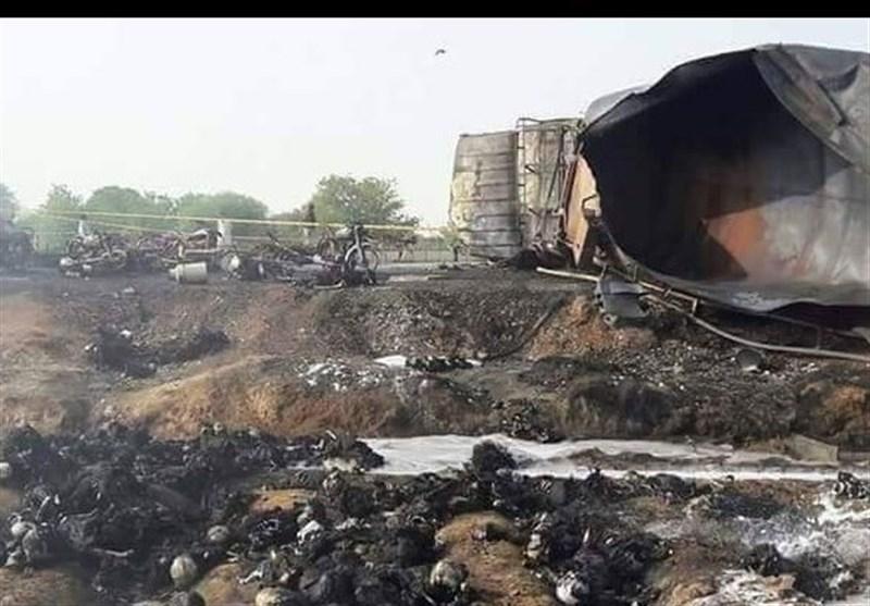 بالفیدیو والصور..أکثر من 120 قتیلا باحتراق صهریج وقود فی باکستان