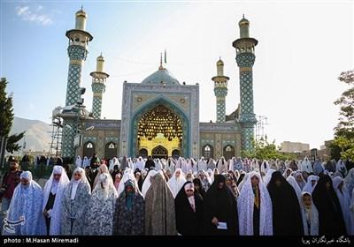 اقامه نماز عید فطر در امامزاده پنج تن