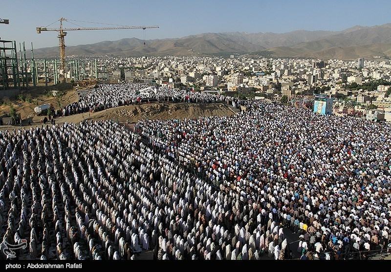 جمعه احتمالا عید فطر است/ اقامه نماز به امامت امام خامنهای/ محدودیتهای ترافیکی نماز عید فطر