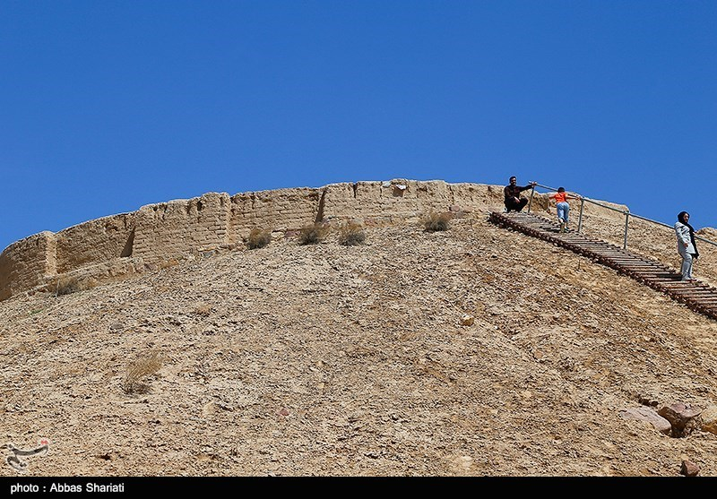 Ozbaki Hill in Iran's Alborz - Tourism news