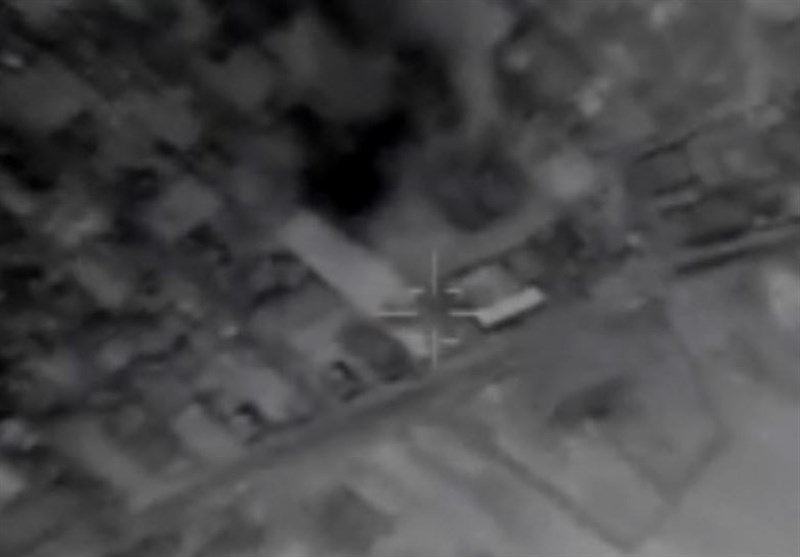 فیلم جدید از لحظه اصابت موشکهای سپاه به مقرهای داعش در دیرالزور