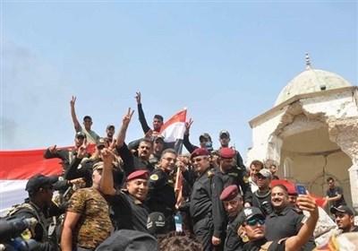 القوات العراقیة تتجول فی الموصل القدیمة بعد تحریرها