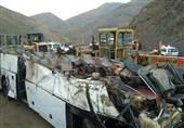 تصادف وانت، کامیون و اتوبوس اتوبان کرج- تهران را قفل کرد