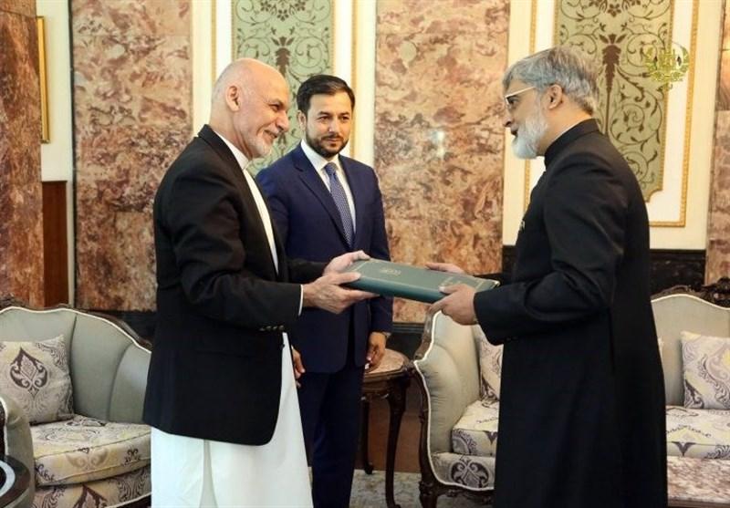 افغانستان کیلئے پاکستان کے نئے سفیر نے اشرف غنی کو اپنے کوائف پیش کردیے