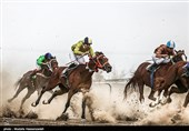 گلستان  هفته دوم مسابقات اسبدوانی تابستانه کشور در بندرترکمن برگزار شد