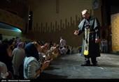 هندوانه شب یلدای آقاخانی در شبکه یک/ امشب علی نصیریان در تلویزیون آواز میخواند