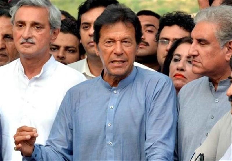 عمران خان نے نواز شریف کا استعفیٰ جمع کروانے اور نام ای سی ایل میں ڈالنے کا مطالبہ کر دیا