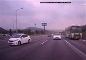 اتوبوس مسافربری از کنترل خارج شد و به هیچ کس رحم نکرد + فیلم
