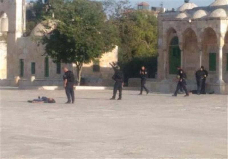 ویڈیو/ صہیونیوں کی نہتے فلسطینی پر قریب سے فائرنگ