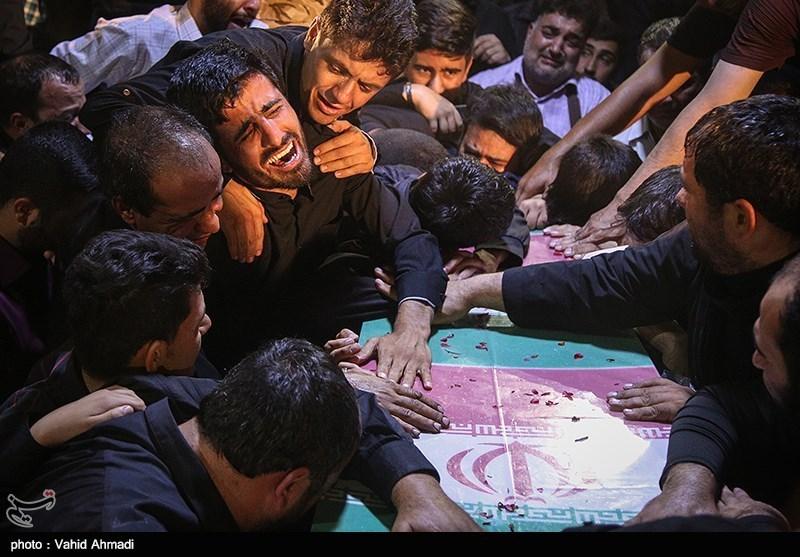 وداع با پیکر مطهر شهید مدافع حرم، بهرام مهرداد+ عکس و فیلم