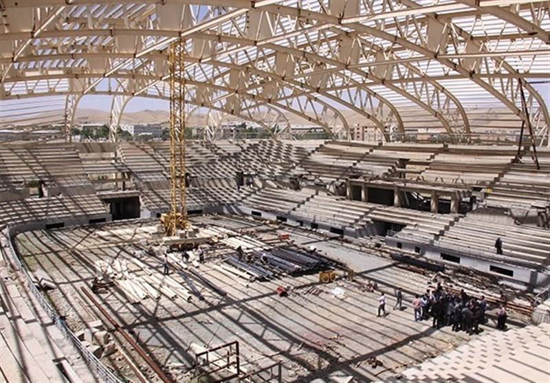 """وعده 14 ماهه وزیر ورزش برای بهرهبرداری """"ورزشگاه 22 گولان""""/ تناقض در وعدهها برای تکمیل این پروژه + تصاویر"""