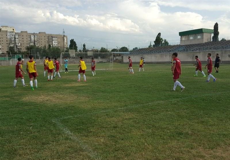 اعتراض اعضای تیم امید ایران به کیفیت بد زمین تمرین در قرقیزستان + تصاویر
