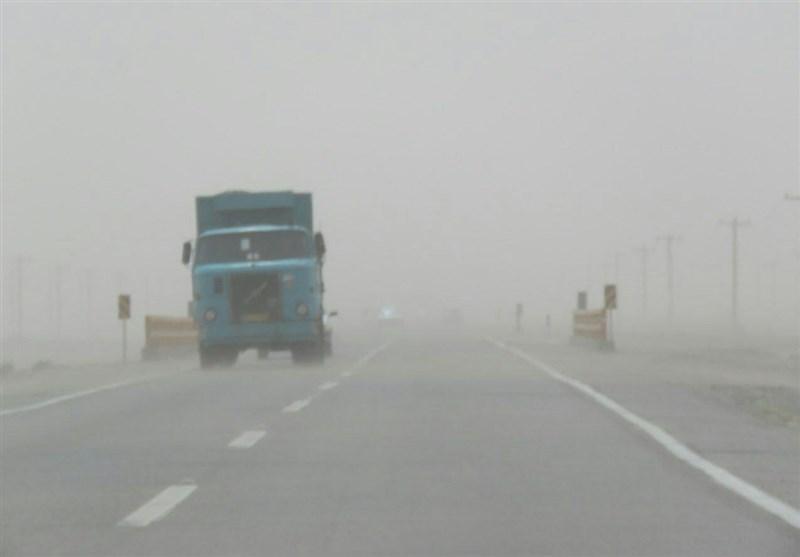 زاهدان| ادامه جولان طوفان در سیستان و بلوچستان؛ دید افقی در نصرتآباد به 900 متر رسید