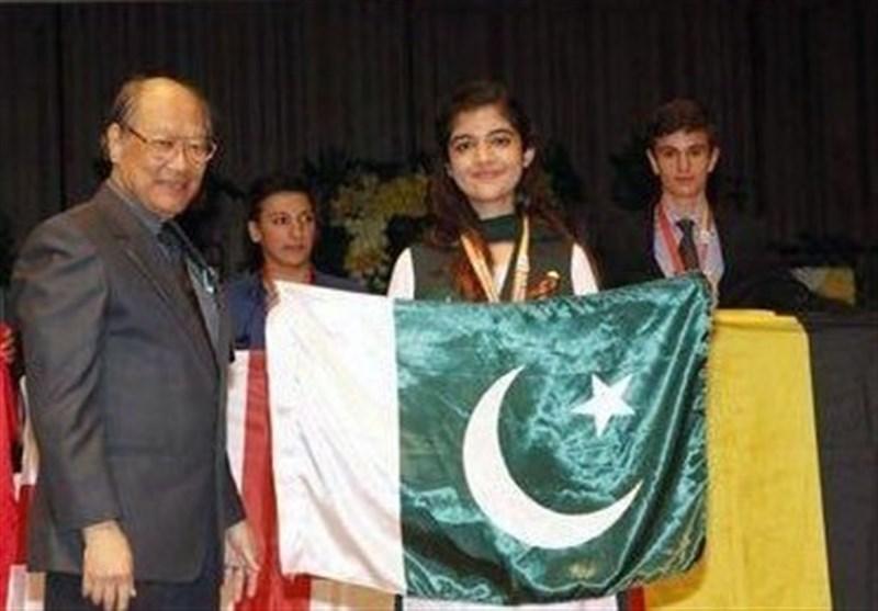پاکستان کی کمسن طالبہ نے تمغہ جیت کر ملک کا نام روشن کردیا
