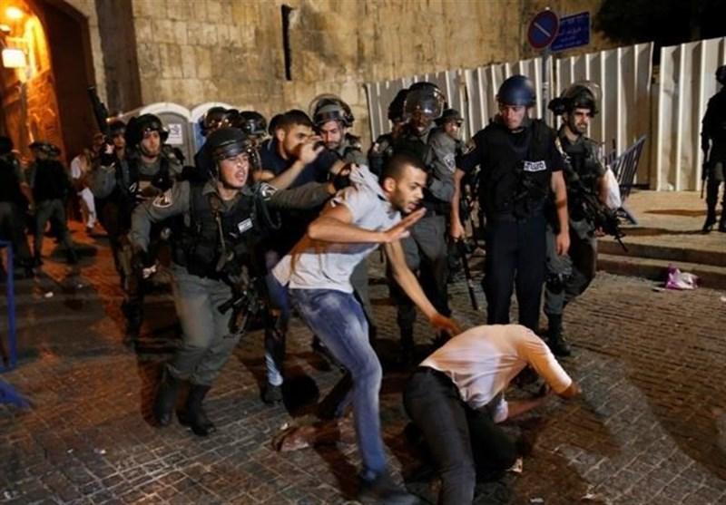 عشرات الاصابات فی هجوم قوات الاحتلال على المصلین فی الأقصى المبارک
