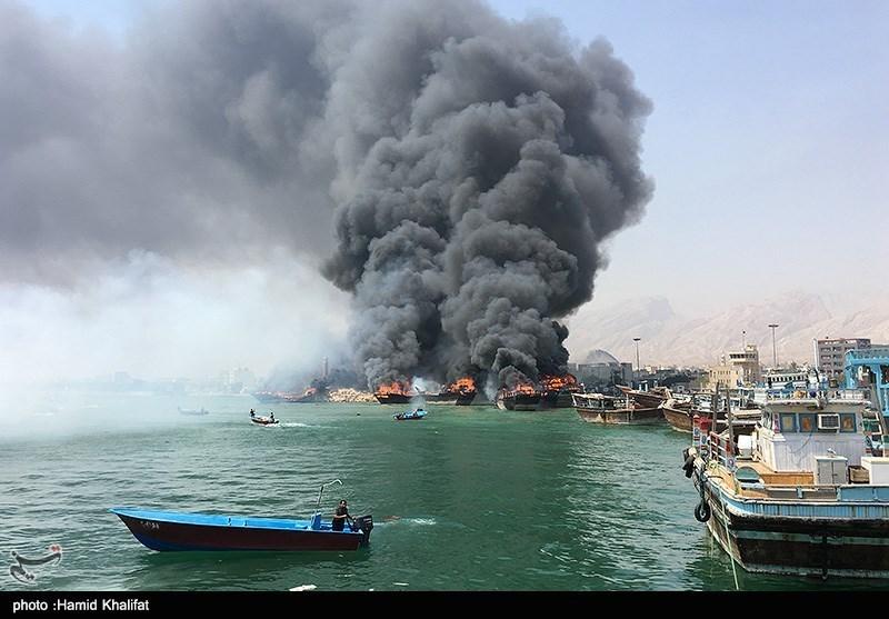 بوشهر| آتشسوزی در اسکله کنگان؛ 3 لنج آتش گرفت