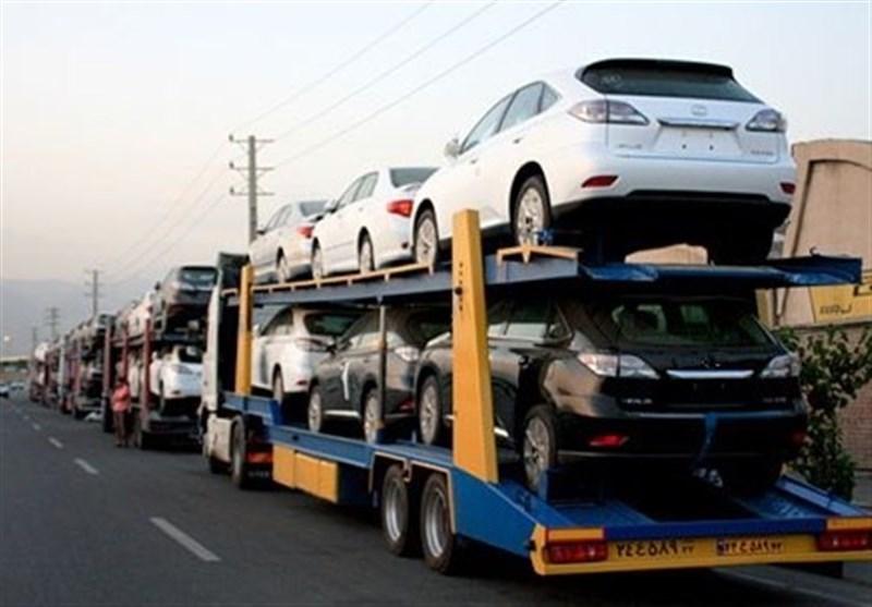 ترخیص قانونی ۱۹۰۰ خودرو با ثبت سفارشهای غیرقانونی/۴۵۰۰ خودروی قاچاق در گمرکات توقیف شد