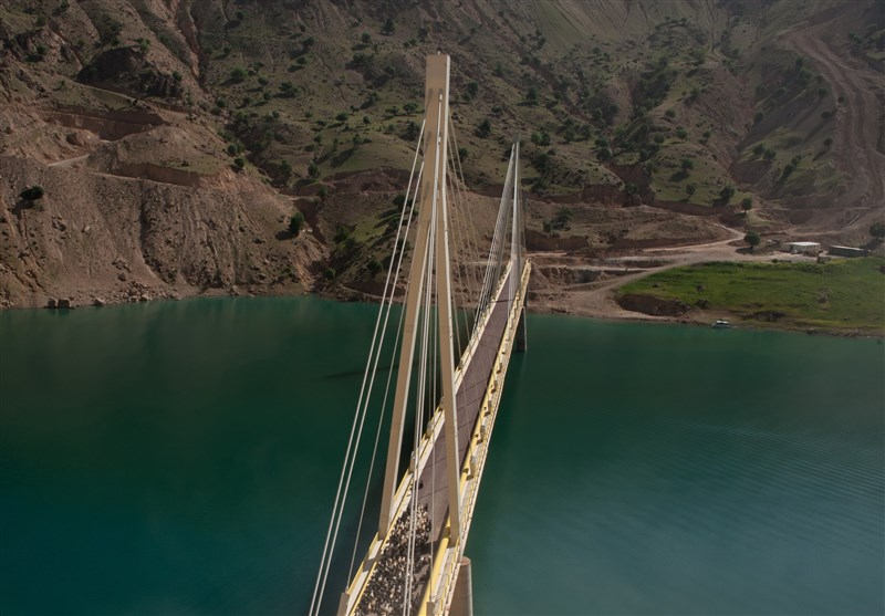 پل 380 متری انتقال نفت از جنوب به شمال کشور به بهره برداری رسید