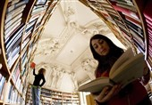 کتابهای لاتین نمایشگاه تحویل ناشران شد/ آیا کتابها با دلار 30 هزار تومانی فروش دارند؟