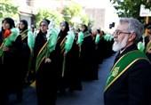 پیادهروی دستهجمعی «دختران احمدی» از مرقد امّ احمد(س) تا مرقد شاهچراغ(ع)