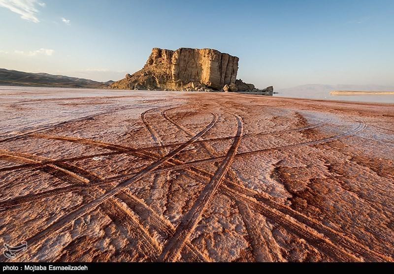 وضعیت بحرانی دریاچه ارومیه نیازمند اطلاع رسانی در سطح جهانی است