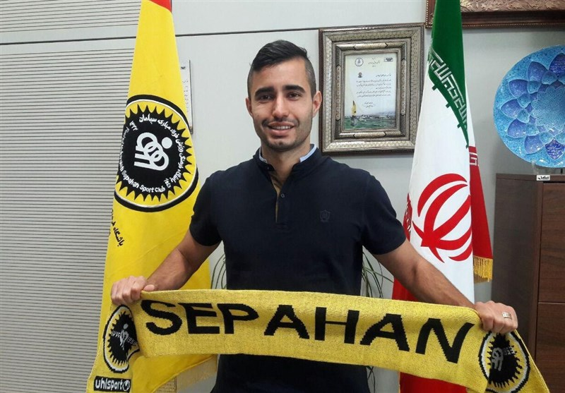 Iran's Sepahan Signs Brazilian Midfielder Crivellaro