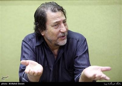 مسعود دلخواه: احتمالاً مدیران تلویزیون به تئاتر علاقه ندارند!/ چرا تئاتریها در بازیگری موفقترند؟