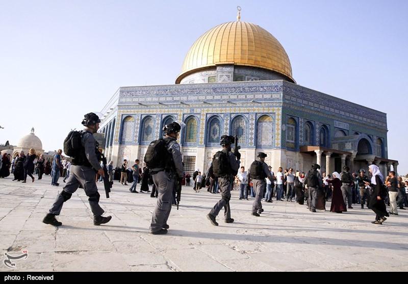 أکثر من 100 مستوطن یقتحمون المسجد الأقصى