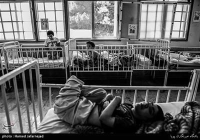 مرکز توانبخشی معلولان ذهنی«عمل»-بخشی از این مرکز، هفتاد نفر فرزند معلول را نگهداری میکند که به صورت cp دارای زندگی نباتی اند و قادر به تحرک نیستند