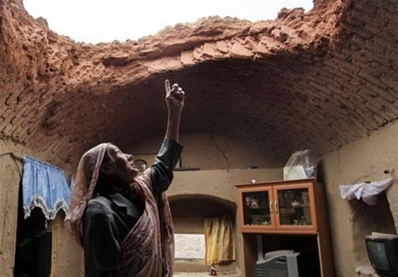 این زن کلیهاش را به خاطر تعمیر خانه میفروشد + عکس