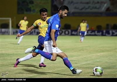 دیدار تیم های فوتبال نفت آبادان و استقلال