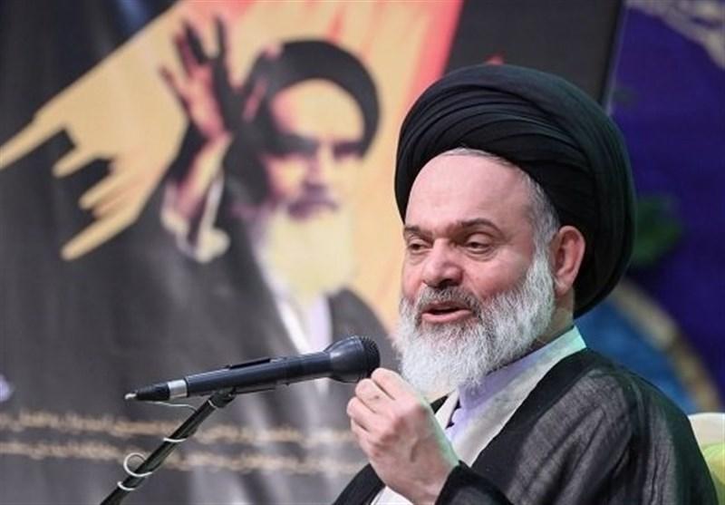 روز ملی استکبارستیزی| عضو خبرگان رهبری: ملت ایران از تحریمها سربلند بیرون میآیند/تسلیم اراده دشمنان نمیشویم