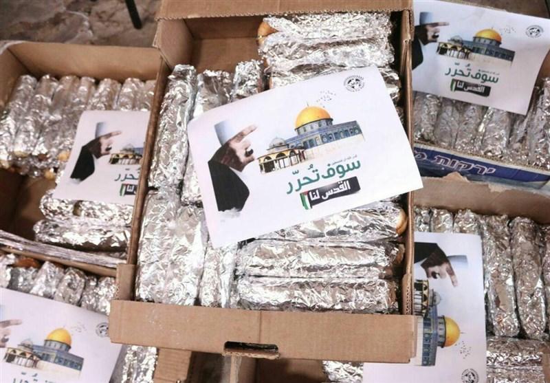 بالفیدیو.. توزیع سلل غذائیة ایرانیة فی القدس كُتب علیها جملة للامام الخامنئی