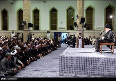 بالصور.. الامام الخامنئی یستقبل القیمین على شؤون الحج