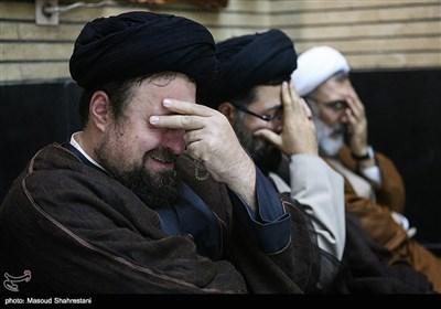مصطفی پورمحمدی وزیر دادگستری، سیدیاسر خمینی و سیدحسن خمینی در مراسم ختم مادر علیاکبر محتشمیپور