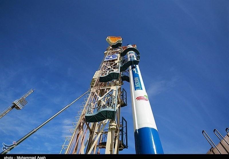رئیس منظمة الفضاء: ایران تستعد لاطلاق أقمار صناعیة الى الفضاء