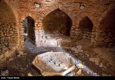 روستای چرمله علیا از توابع قسمت و بخش مرکزی شهرستان سنقر در استان کرمانشاه است. یک حمام قدیمی که تاریخ ساخت آن به دوره قاجاریه باز میگردد ، بیانگر قدمت و همچنین سابقه تاریخی این روستاست .