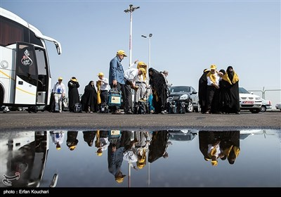 1st Batch of Iranian Hajj Pilgrims Leave for Saudi Arabia