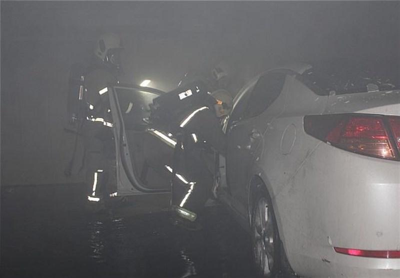 نجات 30 نفر از میان دود در تهرانپارس