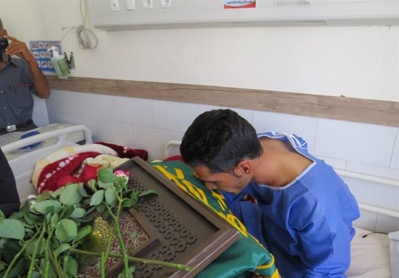 حضور خادمان رضوی(ع) در ابرکوه و عیادت از بیماران به روایت تصویر