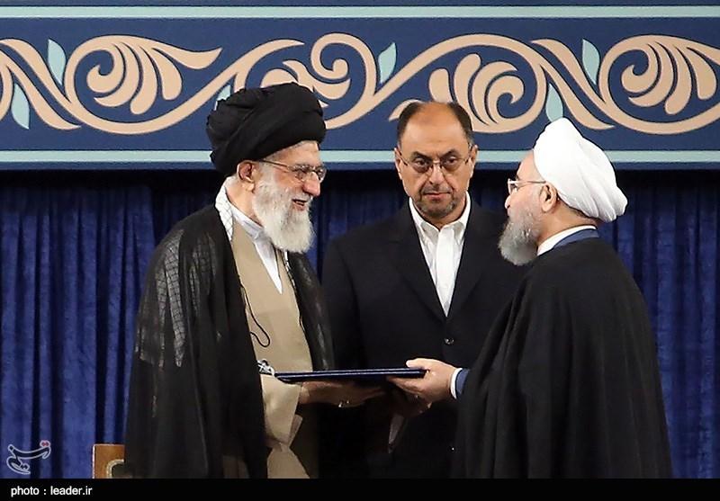 امام خامنہ ای نے حسن روحانی کو اعتبارنامہ دیدیا + تصاویر