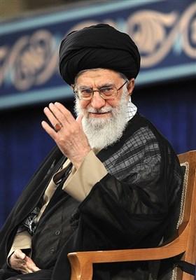 الامام الخامنئی یسلم حسن روحانی مرسوم رئاسة الجمهوریة