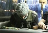 بالصور.. ارهابیو النصرة یغادرون عرسال على متن الحافلات